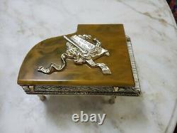 Boîte À Musique À Piano À Queue Vintage Thorens Swiss Gold Glit Piano With Keyboard Bakelite