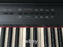 Piano Clavier Yamaha P105 88 Clé Avec Support, Support De Musique, Pédale De Pied, Et Couverture