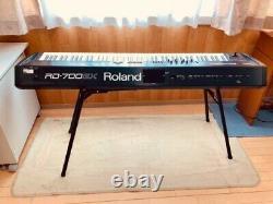 Roland Rd-700gx Clavier Scène Piano Avec Pédale D'amortisseur Black Music Du Japon